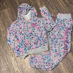 Juicy Couture Sweat Suit Outfit
